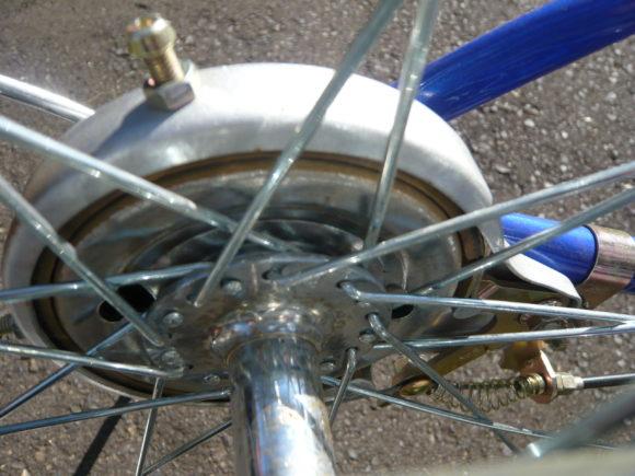 後輪のバンドブレーキ