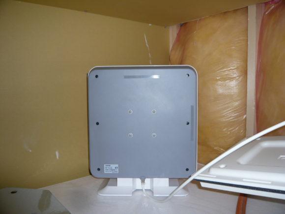 地デジアンテナを風呂の天井裏に設置