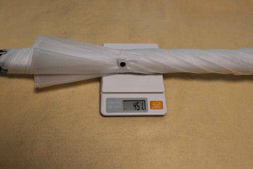 コンビニで買ったビニール傘の重さは451g